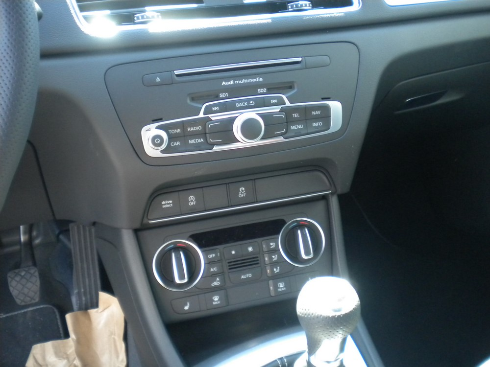 q3 sline climatisation auto mandataire auto lt trading. Black Bedroom Furniture Sets. Home Design Ideas